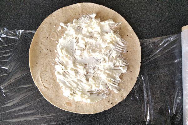 wrap-tortilla-priprava-10EA5B447-3B31-D789-2864-4315DF244DEC.jpg